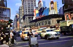 Kodachrome, 1956 Old Paris, New York Photos, City That Never Sleeps, No Photoshop, City Streets, City Life, Empire State, New York Times, Old And New