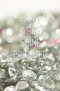 Le ragazze felici brillano di più. #PANDORAloves