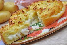 La sbriciolata di patate è una variante salata della classica sbriciolata dolce con prosciutto e formaggio. Ecco la ricetta