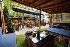 Irish Pub Interior, Bar Interior, Interior And Exterior, Backyard, Patio, Exterior Design, Outdoor Decor, Home Decor, Decoration Home