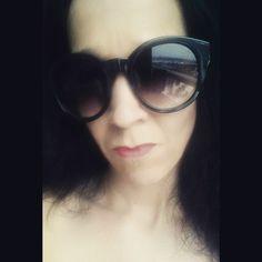 New #sunglasses Kinda bigger than Im used to. #shades #wintersun #dark #catslikeus #catslikeusstyle #vintage #retro #incognito #glasses #style #look #black #su