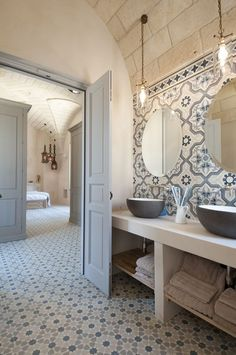 Small bathroom renovations 320107486015124661 - 55 Super Ideas For House Goals Country Bathroom Source by kimiokys Bad Inspiration, Bathroom Inspiration, Style At Home, House Goals, Bathroom Interior Design, Bathroom Renovations, Bathroom Makeovers, Bathroom Renos, Bathroom Ideas