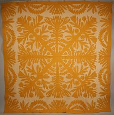 """Vintage Hawaiian quilt, """"Kohala Beauty"""".  The quilt design refers to an area on the Big Island of Hawaii. Mid 20th century."""