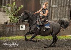 Side saddle bridless on Ocle  #actionshot #theactionhorses #demo #day #spanish #stallion #blackhorse #bridless #gallop #sidesaddle #ejlazenby #photography #weekends
