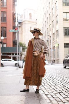 Printed Skirt Outfit, Skirt Outfits, Womens Fashion Online, Latest Fashion For Women, Street Style Outfits, Trendy Swimwear, New Shape, Snake Print, Modest Fashion