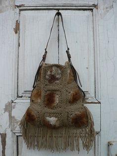 Handmade crochet bag using 100% wool and sheep by GeorgiasWorld