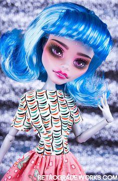 Custom Monster High Ghoulia Clarabell Monster High Repaint www.retrogradeworks.com Custom Monster High Dolls, Monster High Repaint, Custom Dolls, Monster High Ghoulia, Horror Fiction, Famous Monsters, Doll Painting, Doll Repaint, Beautiful Dolls