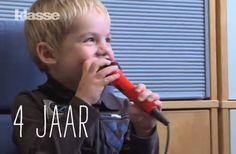 VIDEO: Kleuters groeien en leren razendsnel. Ook de 4-jarige Simon. Maar waar staat hij precies in zijn ontwikkeling? En hoe stimuleer je die als ouder en leraar het best? Kinder- en jeugdpsychiater Peter Adriaenssens legt uit.