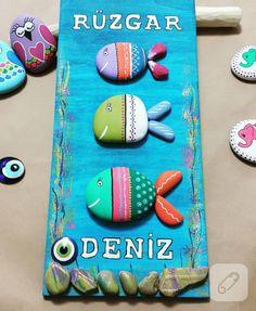 balıklı taş boyama kapı süsü Pebble Painting, Pebble Art, Stone Painting, Painting On Wood, Fun Arts And Crafts, Rock Crafts, Diy And Crafts, Primary School Art, Sea Crafts