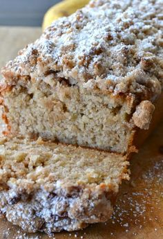 Cinnamon Crumb Banana Bread Used raw buttermilk and salted butter. This Cinnamon Crumb Banana Bread is the perfect combination of moist banana bread and a crumbly coffee cake topping. It is a crowd pleaser! Just Desserts, Delicious Desserts, Yummy Food, Healthy Desserts, Healthy Recipes, Keto Recipes, Baking Desserts, Shrimp Recipes, Salmon Recipes