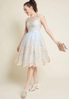 e548ff0aa3a6 16 nádherných obrázků z nástěnky Dívčí šaty