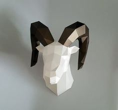 Be The Dall-sheep Head Low poly statues PDF for Paper craft.