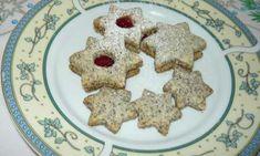 Podívejte se na recept na makové cukroví, které chutná úžasně. Vyzkoušejte něco nového a originální, co vám každý pochválí. Cukroví je nezbytnou součástí vánočních svátků.