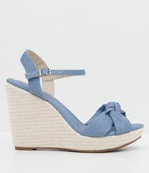 Sandália Feminina Anabela Moleca em Jeans / Cor: Azul / Marca: Moleca