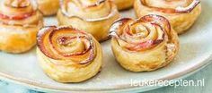 Super leuk zoet gebakje van schijfjes appel opgerold met bladerdeeg in de vorm van een roos