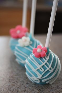 Pretty Cake Pops - luv these colours Cake Pops, Gorgeous Cakes, Pretty Cakes, Cute Cupcakes, Cupcake Cookies, Lollipop Cake, Quinceanera, Chocolates, Cake Bites