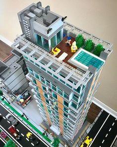 Lego Jurassic World, Legos, Lego Skyscraper, Lego Poster, Lego Hacks, Construction Lego, Lego Design, Modular Design, Lego Display