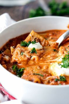 Easy One Pot Lasagna Soup tastes just like lasagna without all the ...