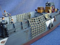 Scale Model World :: View topic - LCM 3 - Royal Navy Landing Craft Mechanised Mk 3 (Trumpeter)