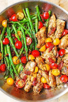 Paleo - One-Pan Pesto Chicken and Veggies – sun-dried tomatoes, asparagus, cherry tomatoes. Healthy, gluten free, Mediterranean diet recipe with basil pesto. It's The Best Selling Book For Getting Started With Paleo Healthy Dinner Recipes For Weight Loss, Healthy Weight, Cheap Healthy Dinners, Healthy Meals For One, Healthy Dishes, Healthy Protein Dinner Recipes, Healthy Organic Recipes, Heathy Lunch Ideas, Food Dinners
