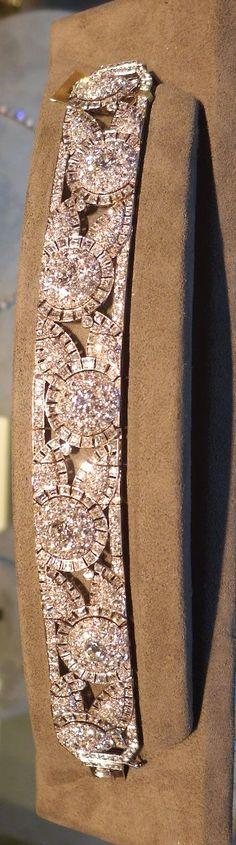 Fabulous Art Deco diamond bracelet (Kentshire).