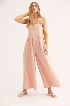 Fantastic boho dresses are offered on our site. Take a look and you wont be sorry you did. Short Beach Dresses, Short Mini Dress, Summer Dresses, Off Shoulder Lace Dress, Backless Maxi Dresses, Dresses Dresses, Club Dresses, Dresses Online, Casual Dresses
