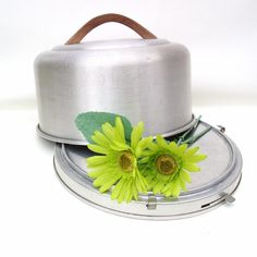Vintage Aluminum Cake Carrier Mirro Cake Keeper by WhimzyThyme