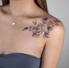 Pretty Tattoos, Cute Tattoos, Leg Tattoos, Beautiful Tattoos, Body Art Tattoos, Small Tattoos, Tattoo Art, Tatoos, Back Of Shoulder Tattoo