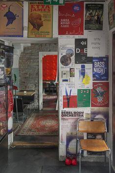Must puudel tarjoaa valokuvattavaa Sigmund Freud, Painting, Painting Art, Paintings, Painted Canvas, Drawings