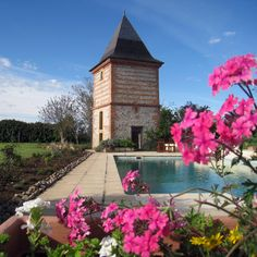 Toulouse South - chateau for sale  as upmarket guest house and restaurant. Separate gite and outhouses