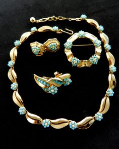 """1950s """"GARLAND OF DAISY"""" Trifari collection,Turquoise Aqua Blue, Faux Pearl Cabochon Necklace, Brooch, 2 Earring Set -rare set  - art.930/3- by RAKcreations on Etsy https://www.etsy.com/listing/245510616/1950s-garland-of-daisy-trifari"""