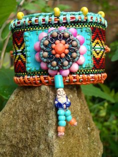 ॐ American Hippie Bohemian Style Boho Bracelet! - love the bead work. Fabric Bracelets, Ankle Bracelets, Statement Bracelets, Textile Jewelry, Fabric Jewelry, Flower Jewelry, Jewelry Crafts, Handmade Jewelry, Buddha Beads