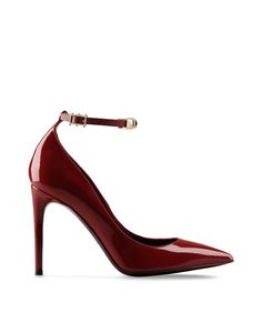 Discover the range of women s shoes from the Valentino Garavani collection   heels 1ec0da3bfb8