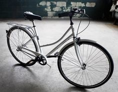 Riding a bike should be simple. Detroit Bikes B-Type Bike - light and strong, minimalist bikes