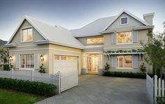 Amazing hampton style homes ideas for your inspiration. Best style of houses in the hamptons (architecture, house plans, etc). Hamptons Style Homes, Hamptons House, The Hamptons, Hamptons Bedroom, House Plans Australia, Casas Containers, Facade House, House Facades, House Goals