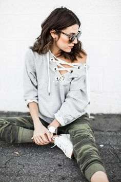 hello fashion lace-up sweatshirt Spring Fashion Casual, Spring Outfits Women, Mom Outfits, Autumn Winter Fashion, Trendy Outfits, Cute Outfits, Nanny Outfit, Fashion 2017, Fashion Outfits
