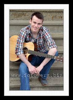 boy senior picture with guitar