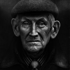 Portraits of the Homeless by Lee Jeffrieshttp://www.emptykingdom.com/main/wp-content/uploads/2011/08/Lee-Jeffries_web1.jpg