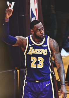 Source by opossumgittter Lebron James Family, Lebron James Lakers, King Lebron James, King James, Cavs Basketball, Basketball Players, Kyrie Irving Logo, Lebron James Wallpapers, Nba Players