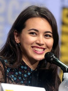 style n tips dresses - Jessica Henwick - Wikipedia Jessica Henwick, Actress Jessica, Jessika Pava, Colleen Wing, Iron Fist Marvel, Philippines Beaches, Kong Movie, Michael Rooker, Instagram Background