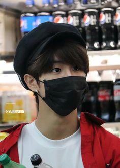 y'all he's like the l*ve of my life buts its whatever😭🤷🏽 Cute Squirrel, Baby Squirrel, Kids Icon, Ji Sung, Lee Know, K Idols, Boyfriend Material, South Korean Boy Band, Baby Photos