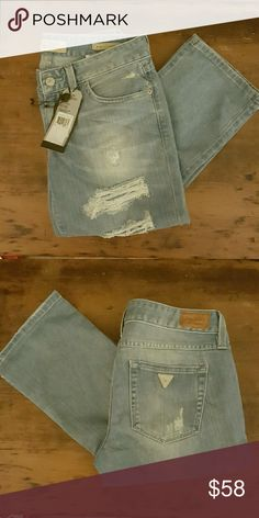 NWT GUESS Jeans, Size 27 STARLET CIGARETTE STYLE, SLIM FIT, LOW RISE, STRAIGHT LEG, DISTRESSED JEANS. Guess Jeans Straight Leg