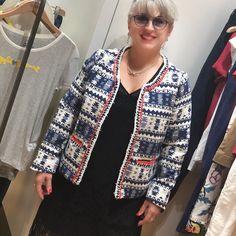 INAUGURATION Inauguration du magasin @galerieslafayette de Cannes!!! Fiesta et shopping! Je suis fan de cette veste @molly_bracken_officiel  Bonne soirée !  #galerieslafayette #galerieslafayettecannes #festivaldecannes #cotedazur #cotedazurnow #galerieslafayettecotedazur #mollybracken #veste #jacket #mode #fashion #fashionover50 #silver #femmemajuscule #youtuber #magalithemouse http://themouse.org
