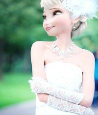 This is a great wedding edit for Elsa. I love edits that look like Elsa herself actually posed for this pic. Princesa Disney Frozen, Disney Frozen Elsa, Arendelle Frozen, Disney Wedding Dresses, Disney Dresses, Dress Wedding, Disney Adoption, Princesse Disney Swag, Disney Characters