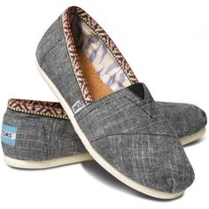 TOMS Chambray Trim Women's Classics size 9 ($54) ❤ liked on Polyvore