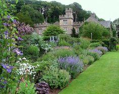 arabella lennox boyd herbaceous_border_in_early_summer gresgarth hall