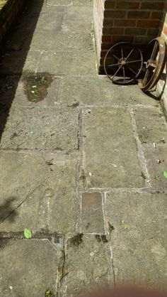 York Paving reclaimed from Yorkshire - York paving stone now In Surrey | Yorkstone Online