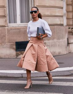 Statement Sweater Street Style #EarCuffJewelry Cheap Fall Outfits, New Outfits, Chic Outfits, Who What Wear, Animal Print Cardigans, Over 60 Fashion, Fall Sweaters, Autumn Fashion, Street Style