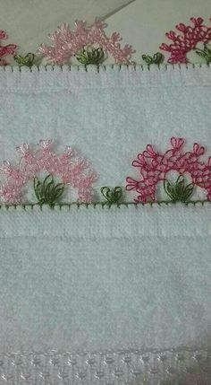 This Pin was discovered by İmr Drawn Thread, Thread Work, Needle Lace, Bobbin Lace, Japanese Embroidery, Hand Embroidery, Hobbies And Crafts, Diy And Crafts, Viking Tattoo Design