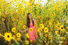 makes me want to go plant a field of sunflowers Fall Family Pictures, Girl Senior Pictures, Senior Girls, Cool Pictures, Senior Photos, Photography Projects, Senior Photography, Sunflower Field Photography, Picture Ideas